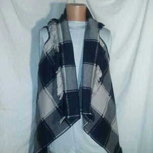Sunshine & Rodeos Blanket Vest w/Fringe M/L